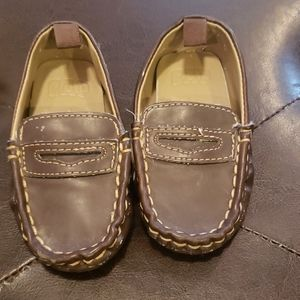 Gap baby loafers brown faux leather size 4